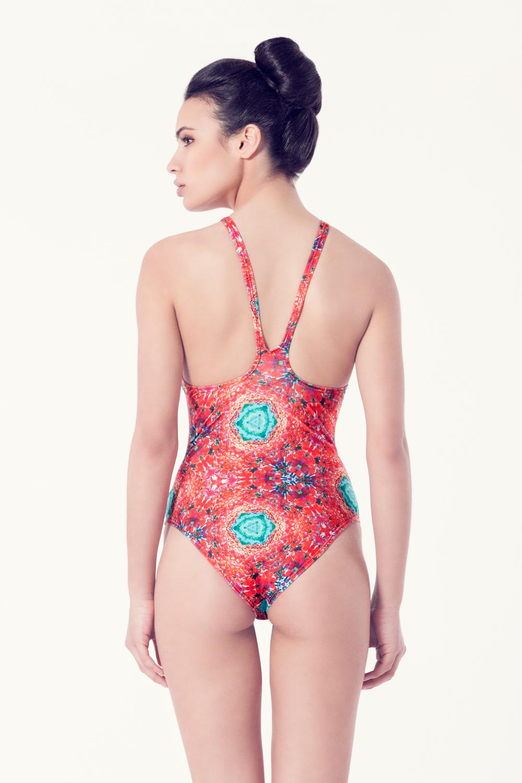VIBORERA Bañador tendencia – Vista trasera– Estampado rojo – nadadora.com.es – swimwear