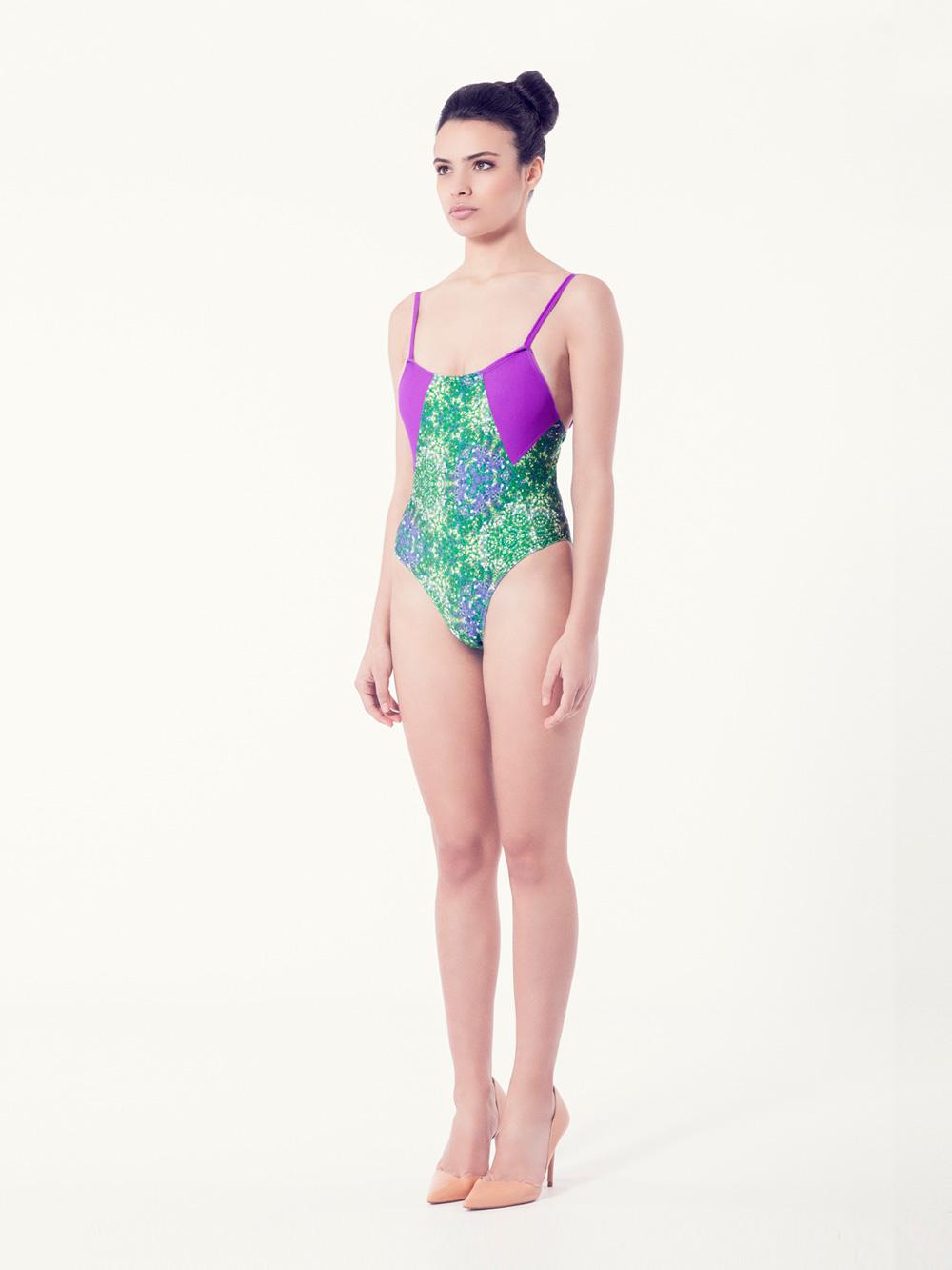 CLEMATIS Bañador tendencia – Vista normal– Estampado verde – nadadora.com.es – swimwear